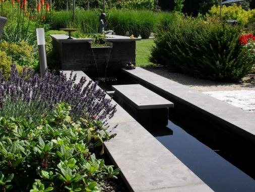 Realisaties van herba inzake tuinaanleg en tuininrichting for Wat kost een vijver